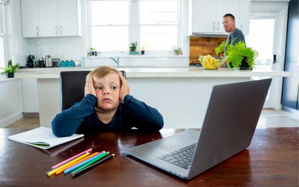 چگونه کودکانمان را برای سال تحصیلی متفاوتی که در پیش دارند