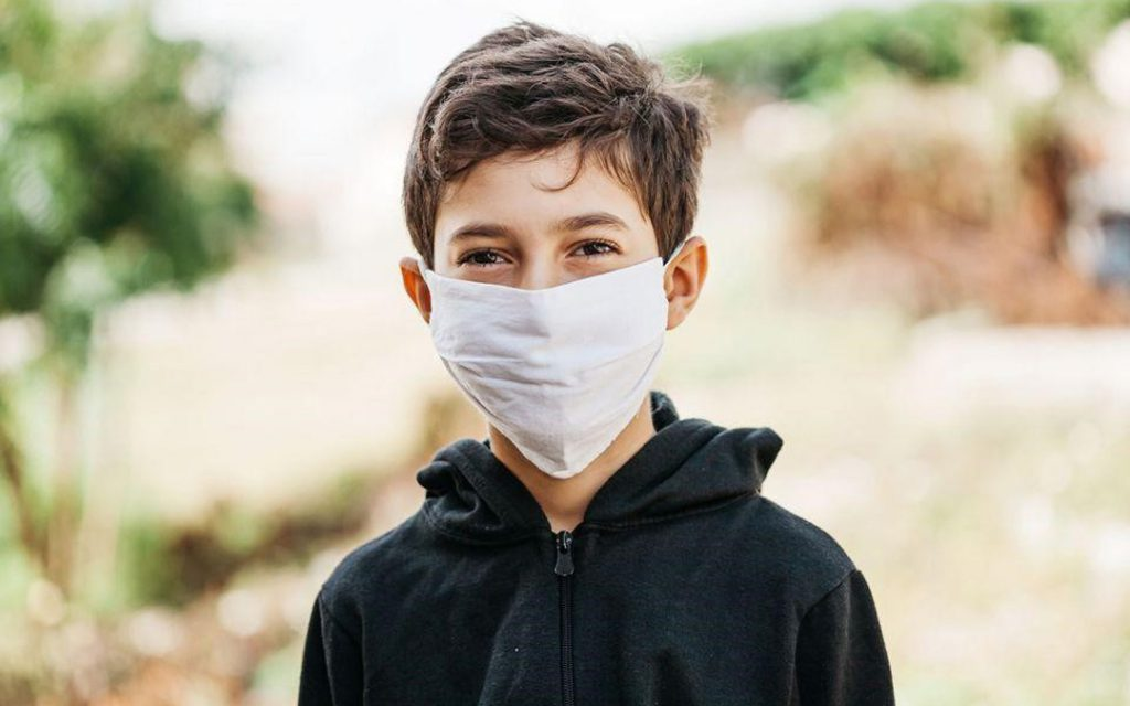 ماسک زدن کودکان