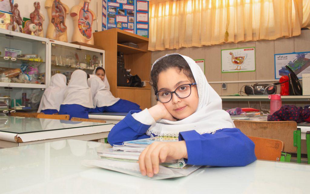 در مورد دبستان مدارس سلام