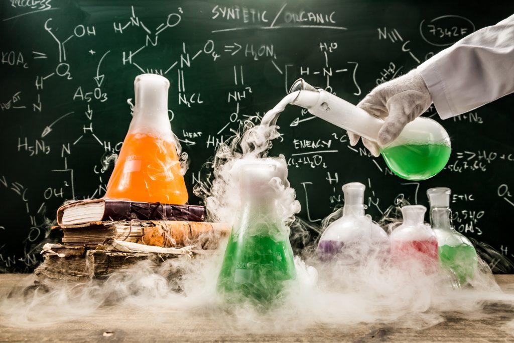 طراحی و ساخت در صنعت؛ آشنایی با مهندسی شیمی